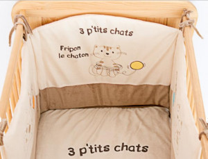 tour de lit miaou les chatounets les b b s du bonheur. Black Bedroom Furniture Sets. Home Design Ideas